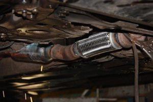 Установка и замена гофры глушителя пежо 404 Ремонт выпускного коллектора инфинити qx56